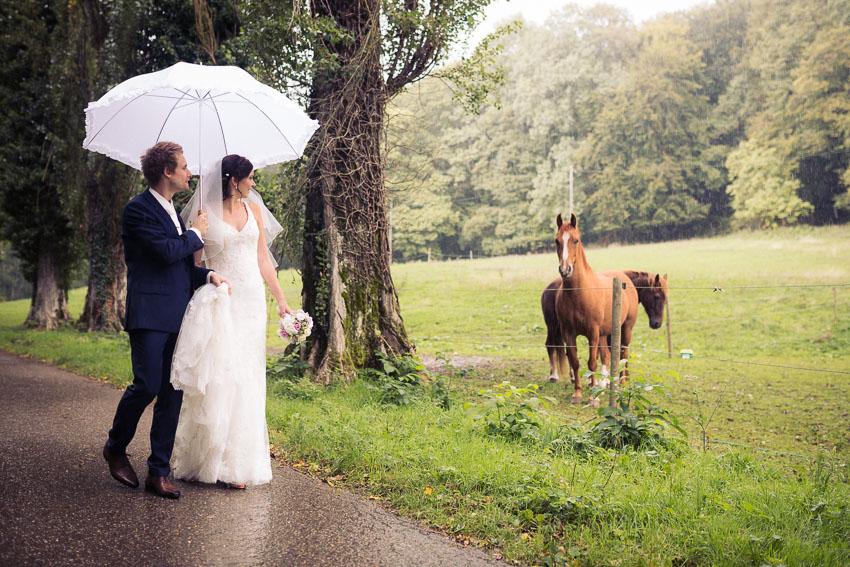mariage pluvieux au domaine de la lance