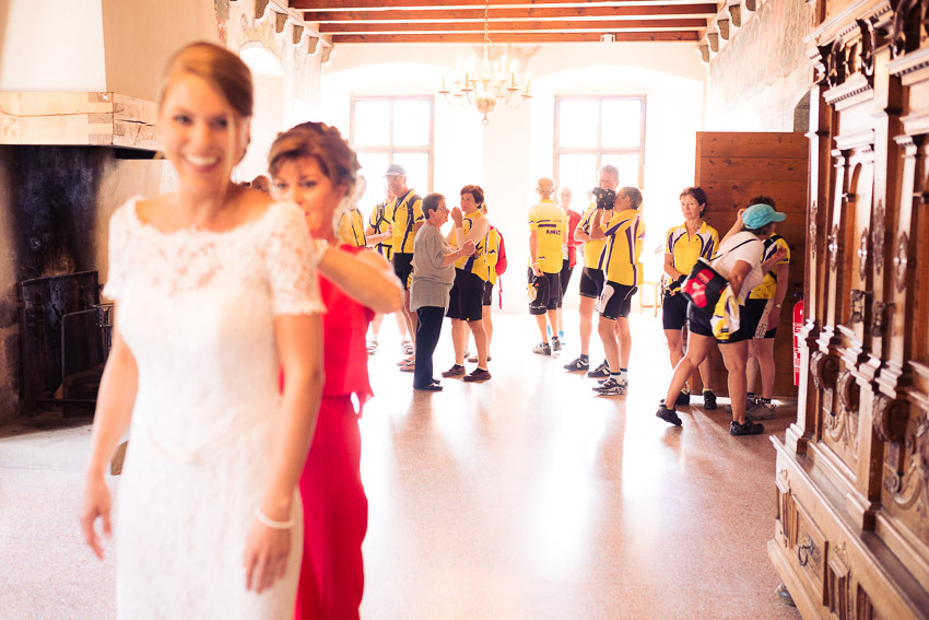 preparatifs mariee au chateau d'Aigle
