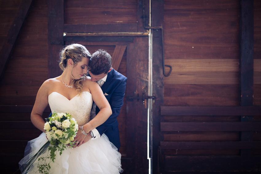 ceremonie de mariage en exterieur à l'abbaye de Bevaix