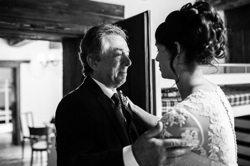 le papa decouvre la mariée