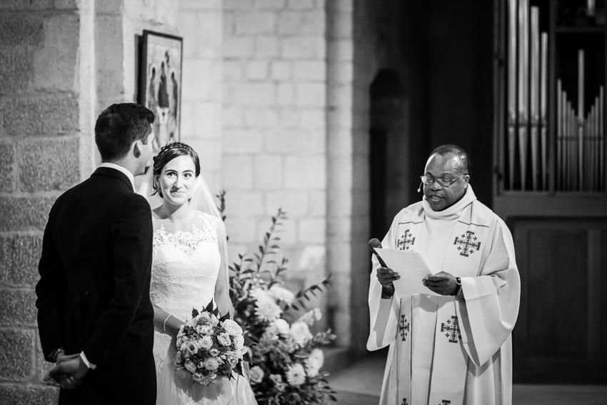 echange des alliances lors d'un mariage à Romainmôtier