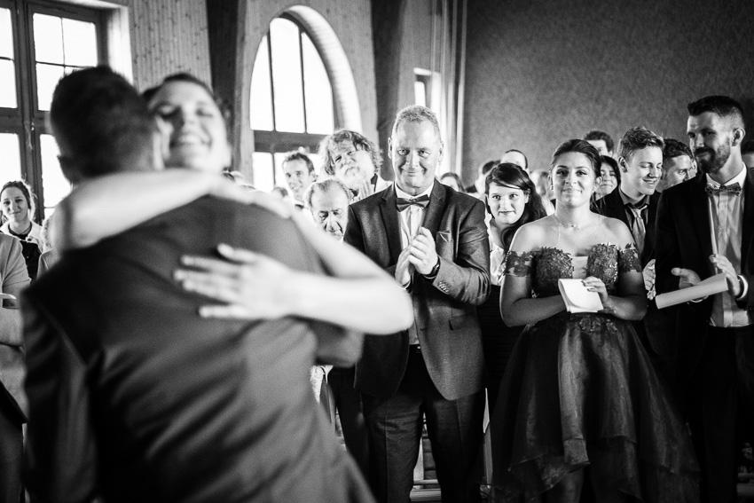 Les Mariés dans le canton de vaud sous les applaudissements