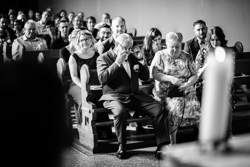 Les parents émus pendant la cérémonie